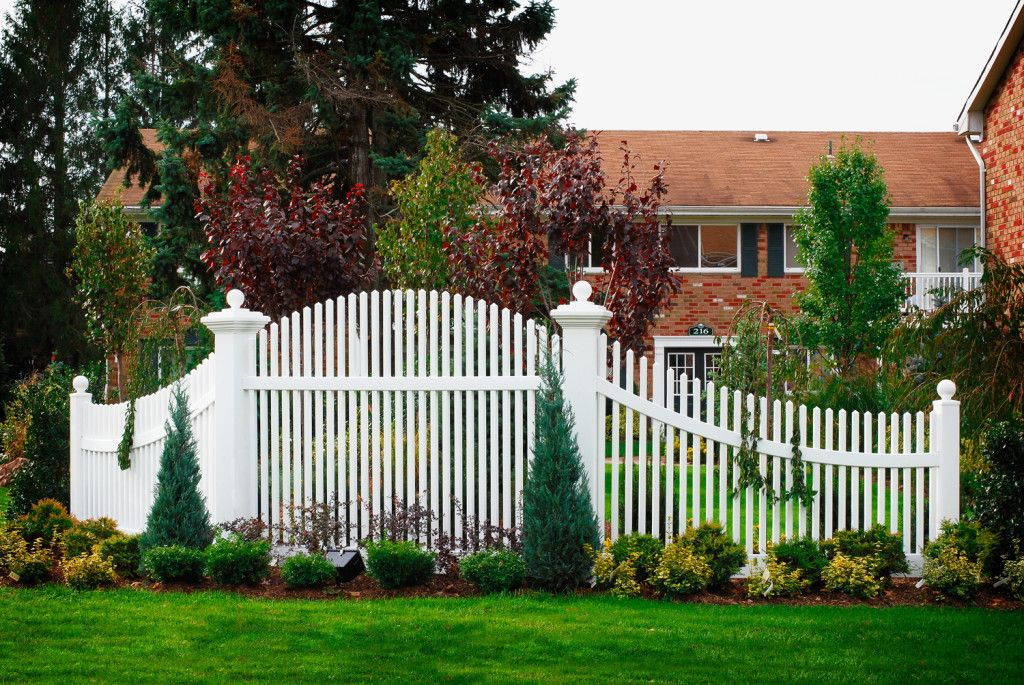 Vinyl Picket Fence Panels Sale
