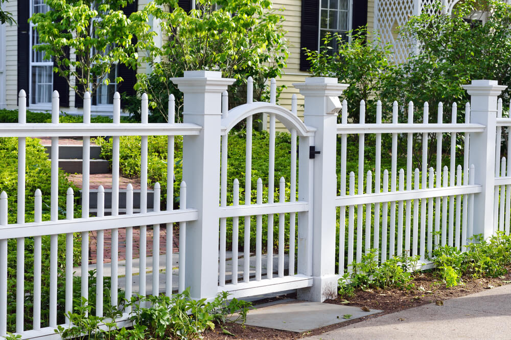 Picture of: White Wood Fence Gate