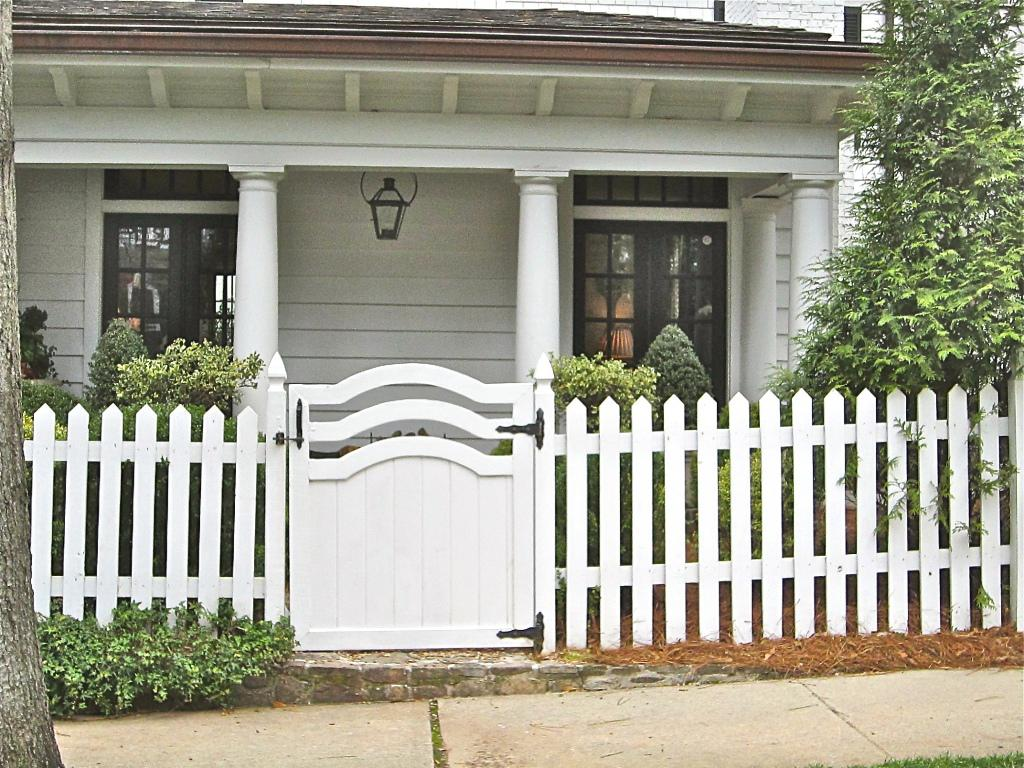 Picture of: White Wood Fence Home Depot