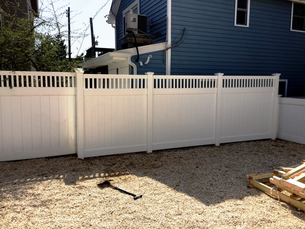 Picture of: White Wood Fence Panels