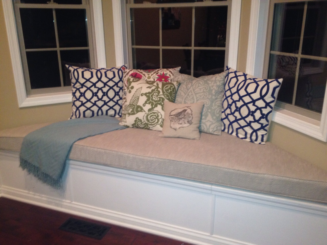 Image of: Window Bench Cushions Idea