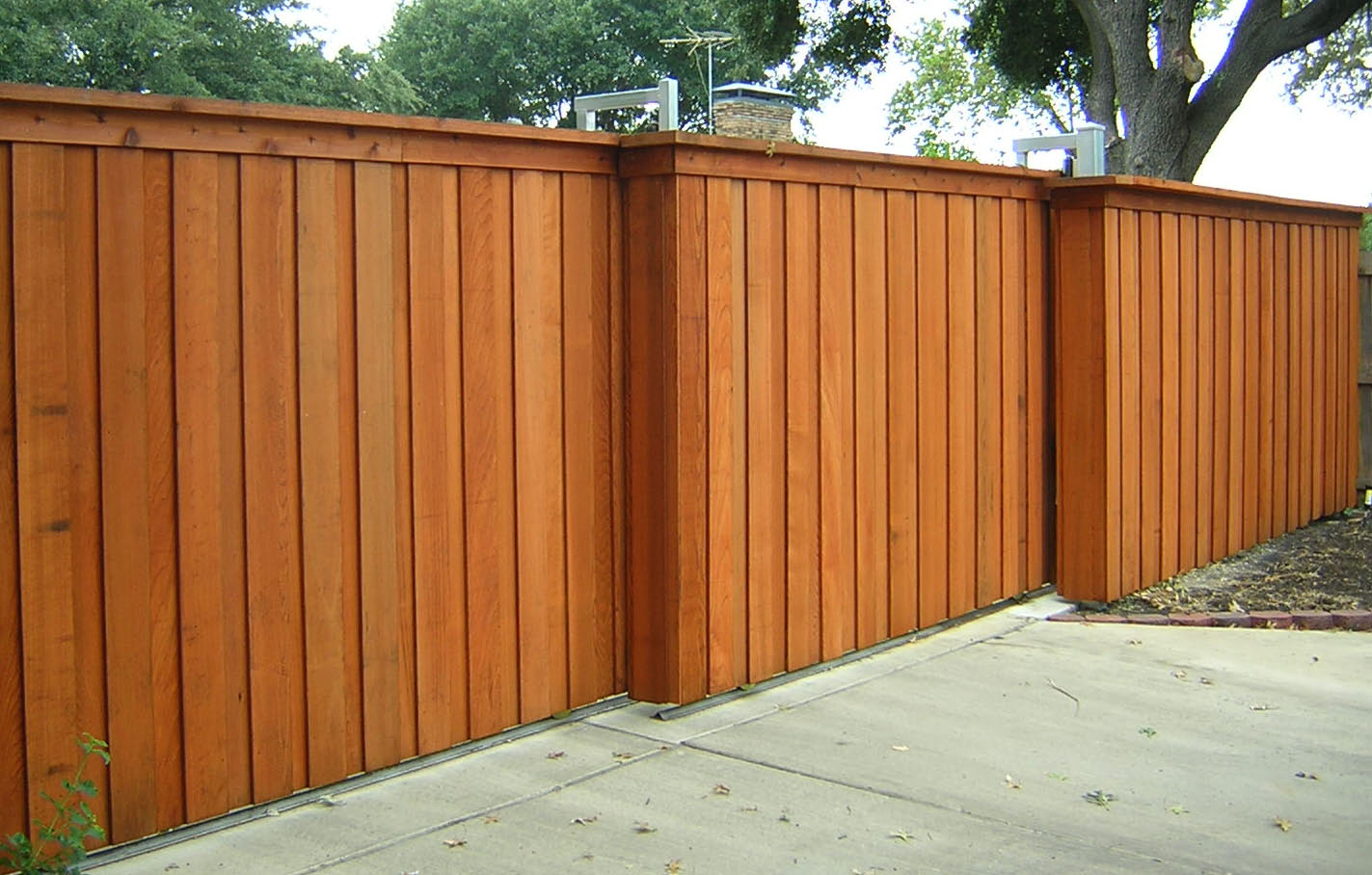 Picture of: Wood Fence Designs for Backyard