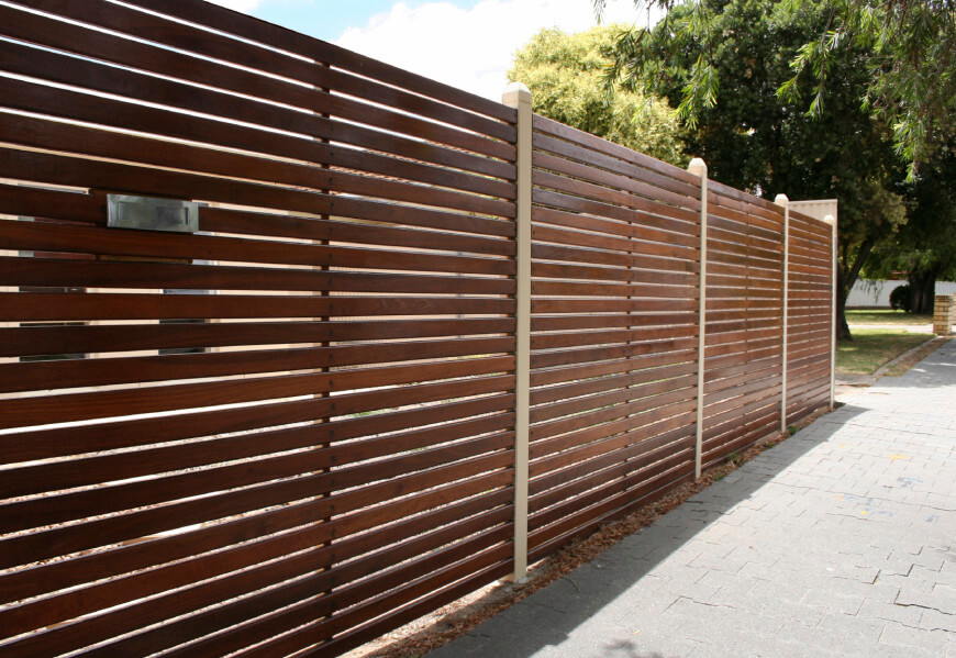 Picture of: Wood Fence Designs for Front Yard