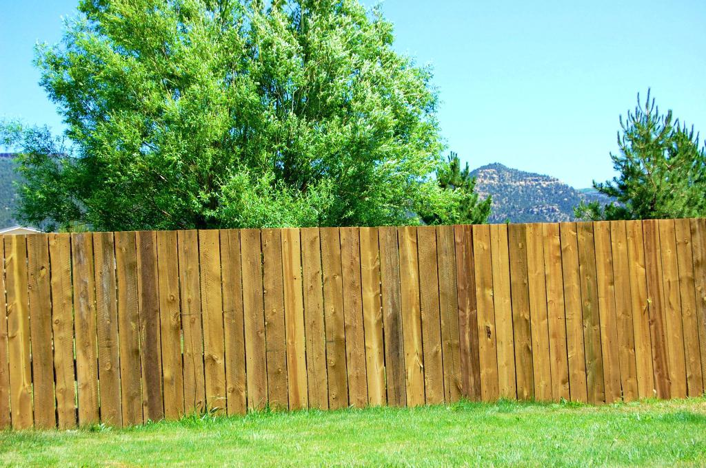 Picture of: Wood Fence Panels and Posts