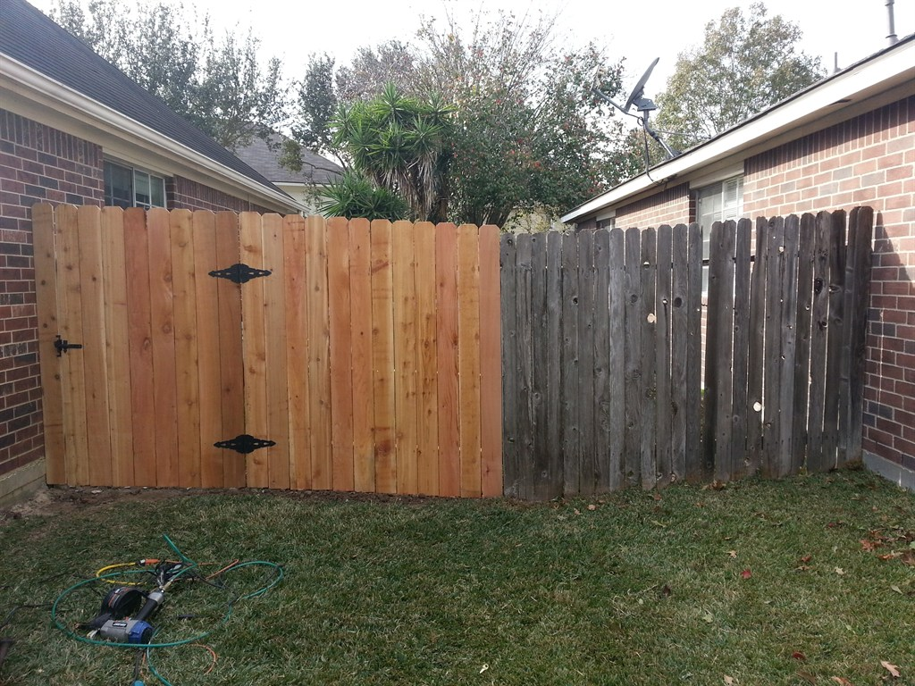Picture of: Wood Fence Repair Photo