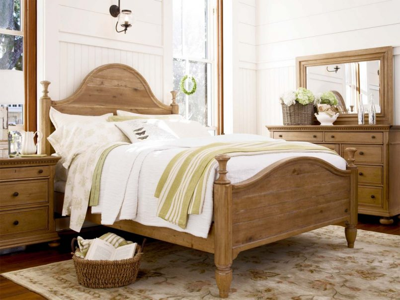 Image of: Wood French Bedroom Set