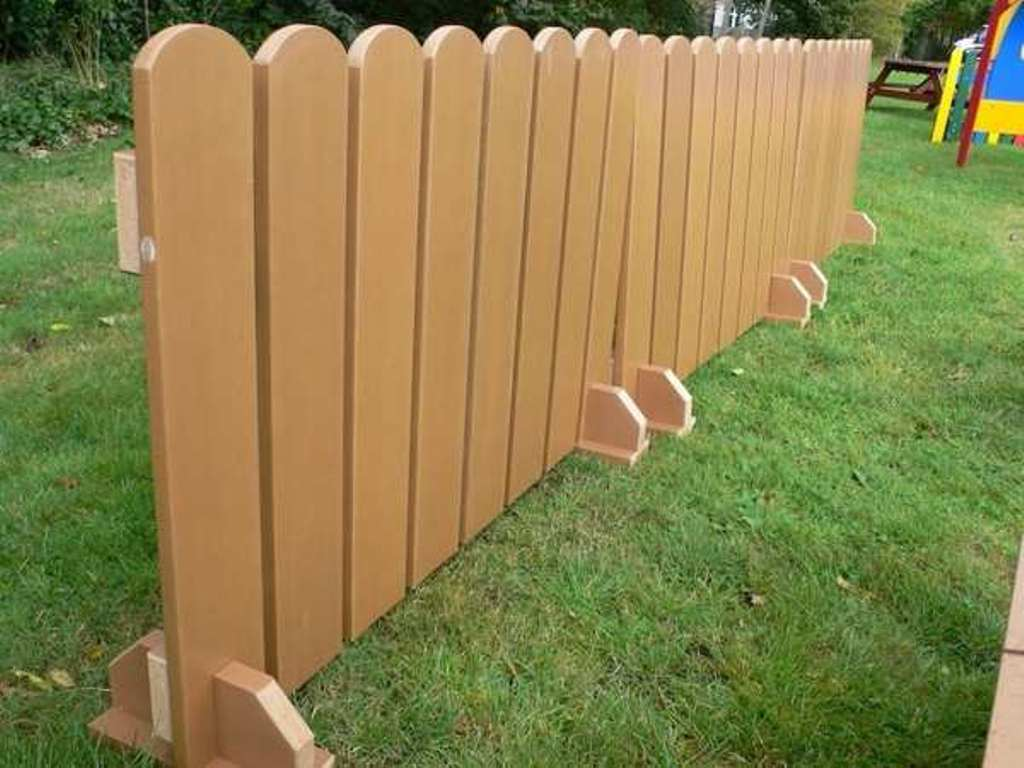 Wood Temporary Dog Fence