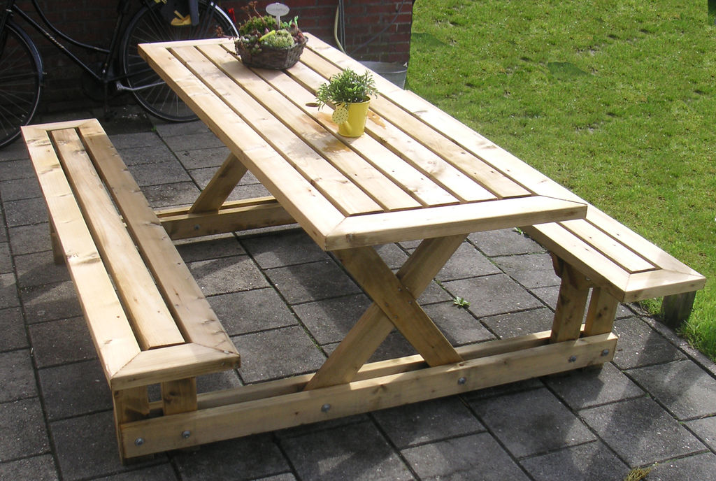 Picture of: Wooden Picnic Bench Pallet