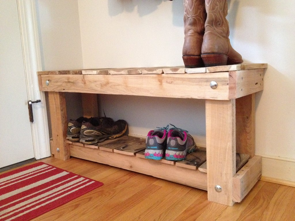 Picture of: Wooden Shoe Bench Pallets
