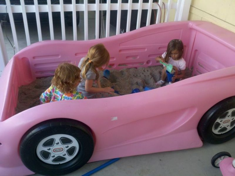 Image of: Little Tikes Girl Toddler Bed