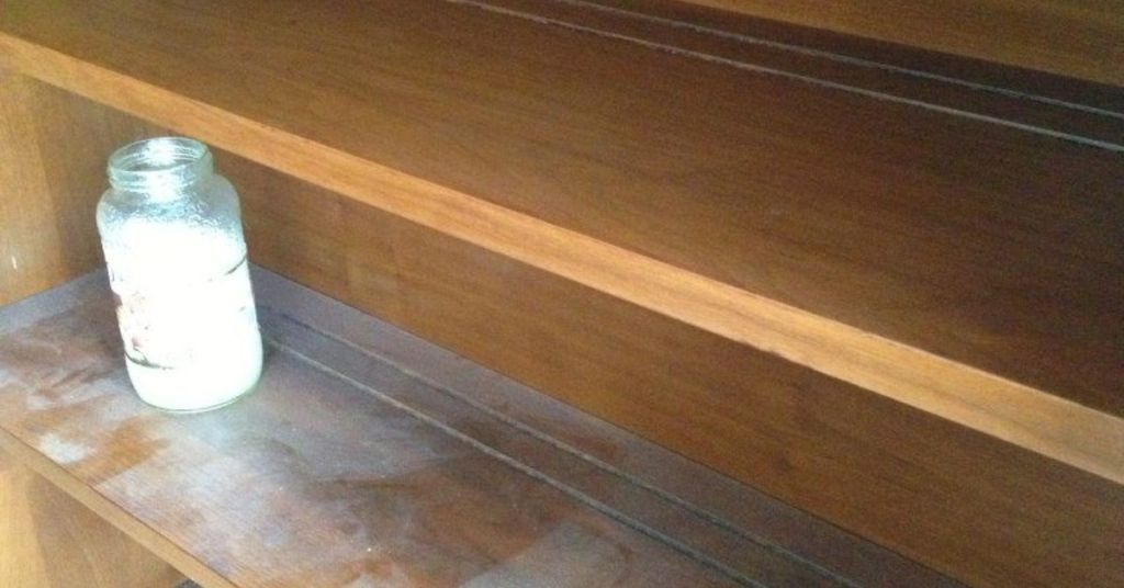 Picture of: How To Clean Wood Furniture With Vinegar And Oil