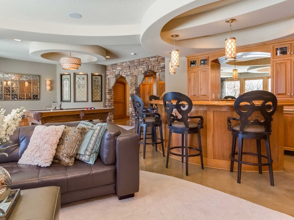 Image of: Awesome And Best Basement Remodeling Ideas