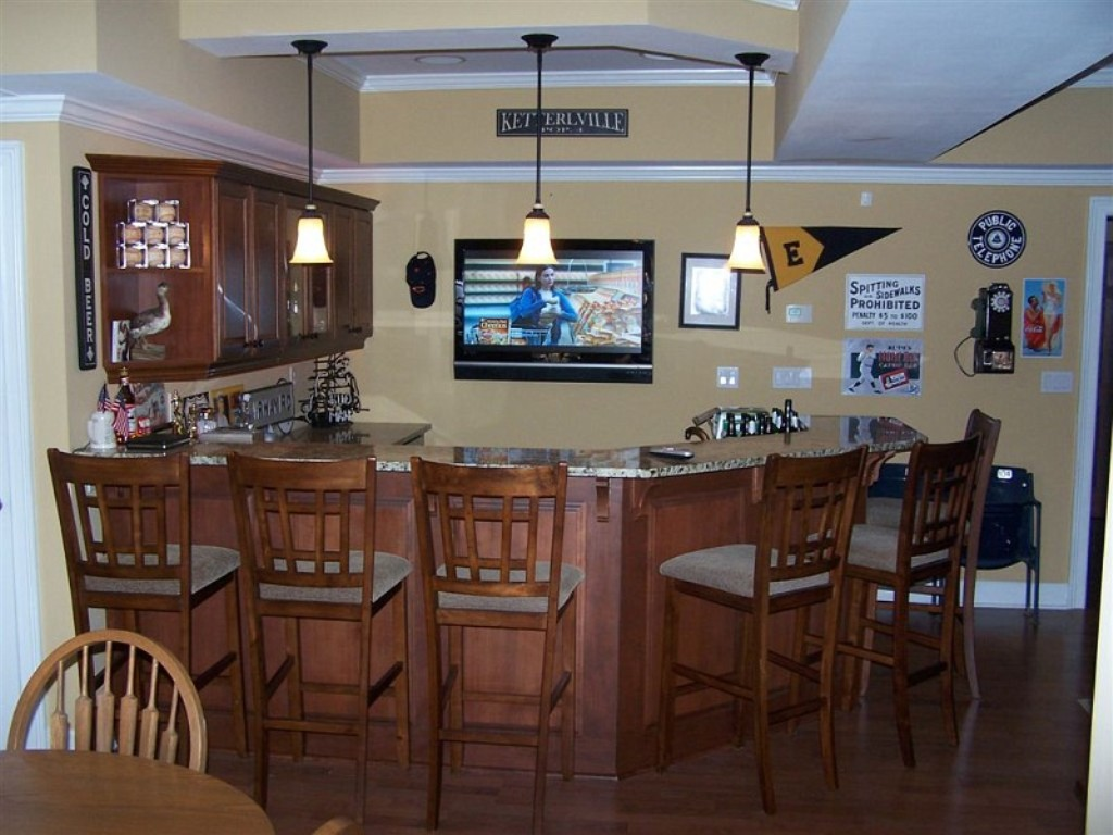 Image of: Basement bar Designs for Home