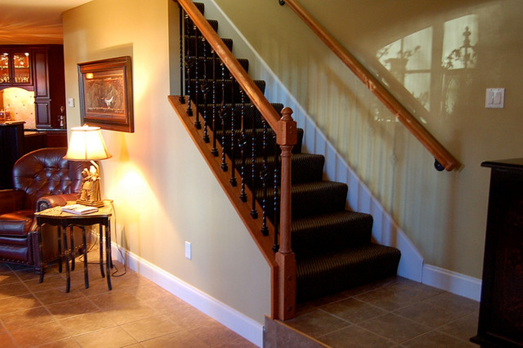 Image of: Basement Stair Ideas Finishing