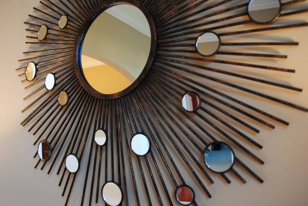 Image of: Circle Round Mirror Wall Decor