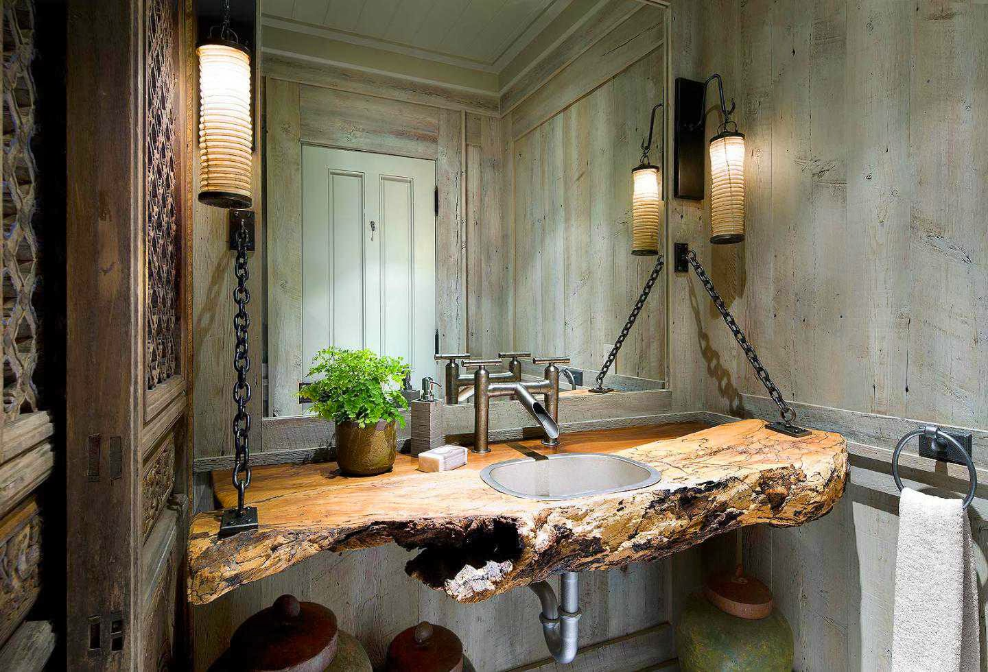 Image of: Elegant Rustic Bathroom Wall Decor