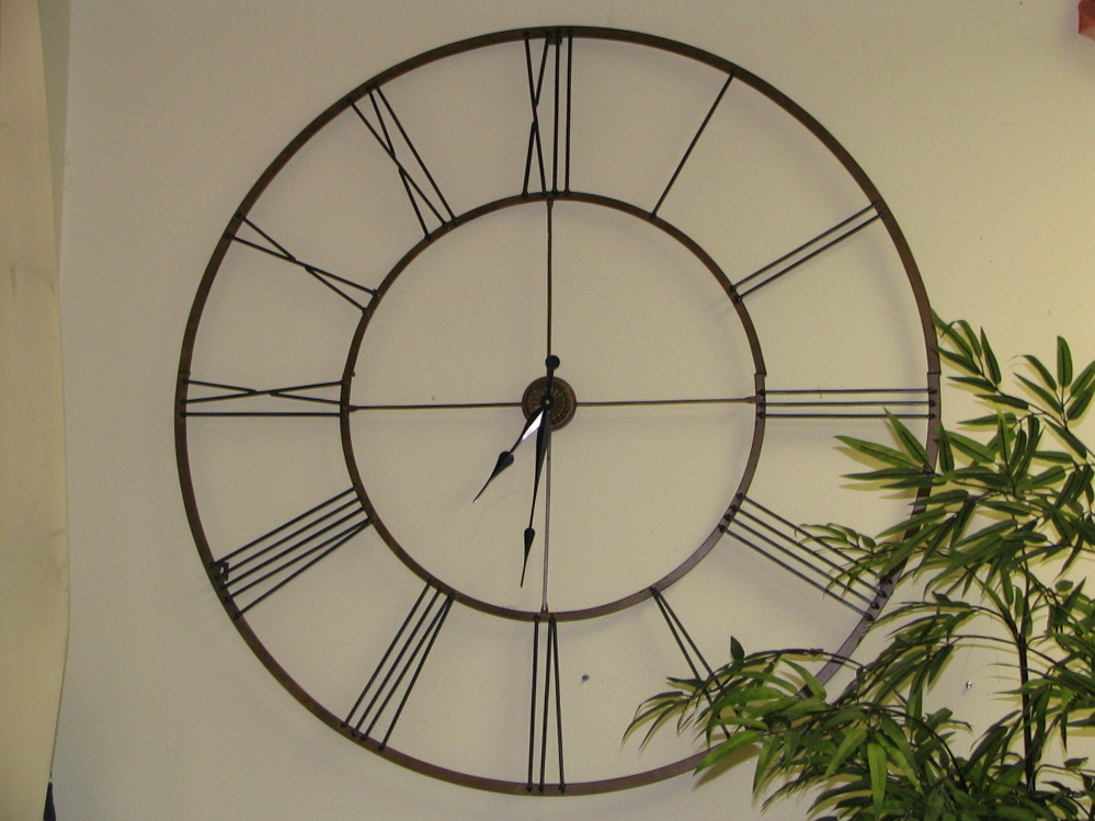 Image of: Extra-Large-Decorative-Wall-Clocks-Antique