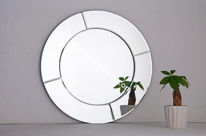 Image of: Fancy Round Mirror Wall Decor
