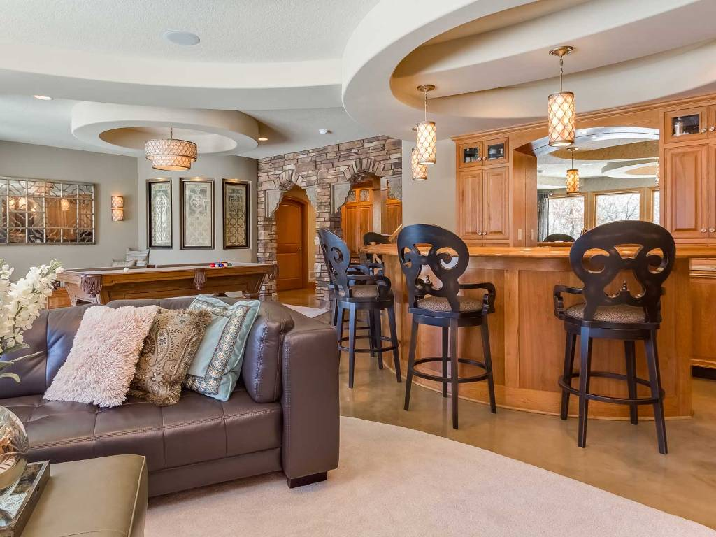 Picture of: How to Remodel a Basement Bar