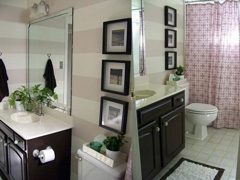 Image of: Modern Bathroom Wall Decor Image