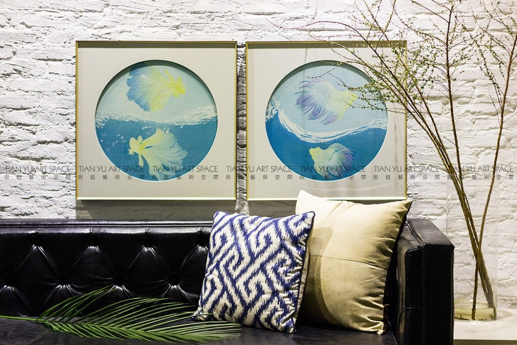 Picture of: Modern Glass Wall Art Decor for Bathroom