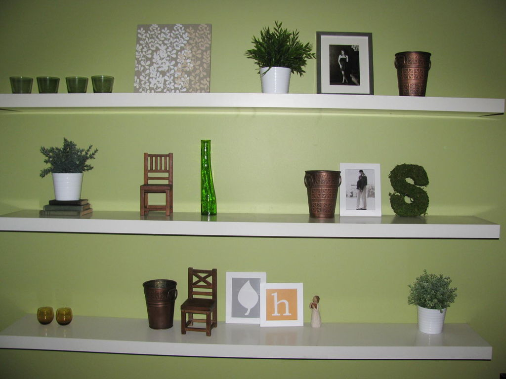 Image of: Modern Wall Shelves Decorating Ideas Bedroom