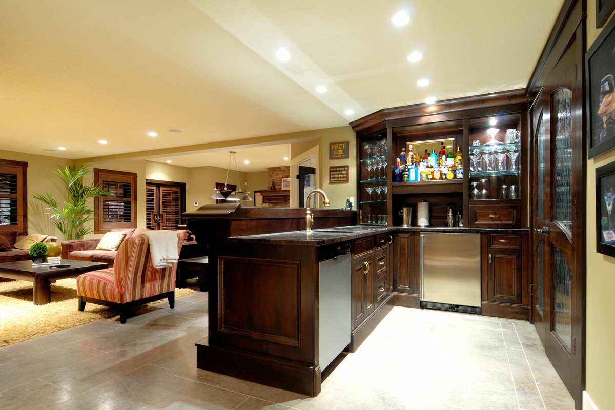 Picture of: Nice Best Basement Bar Designs