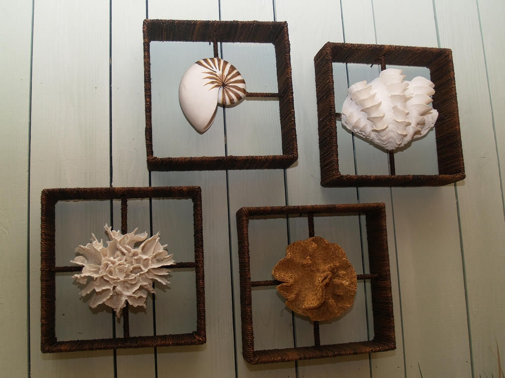 Picture of: Nice Modern Bathroom Wall Decor