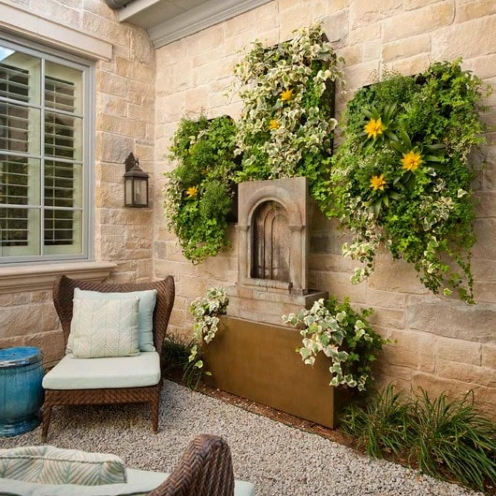 Image of: Outdoor Home Wall Decor Ideas