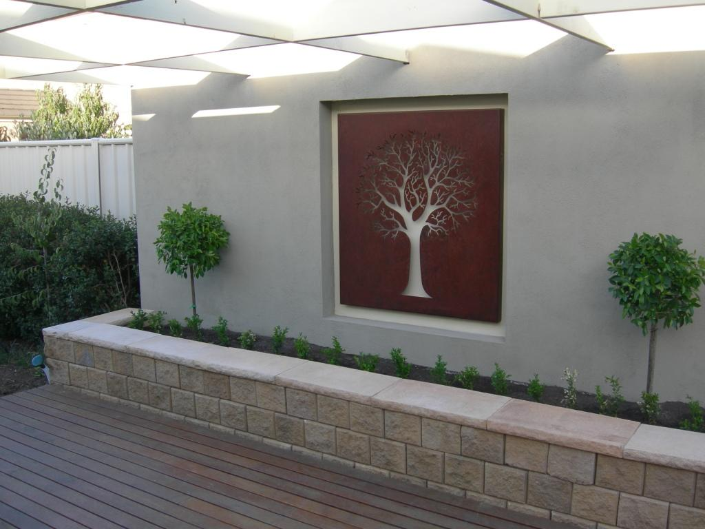 Image of: Outdoor Wall Decor Ideas around Fireplace