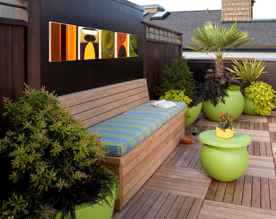 Image of: Outdoor Wall Decor Ideas Small Apartment