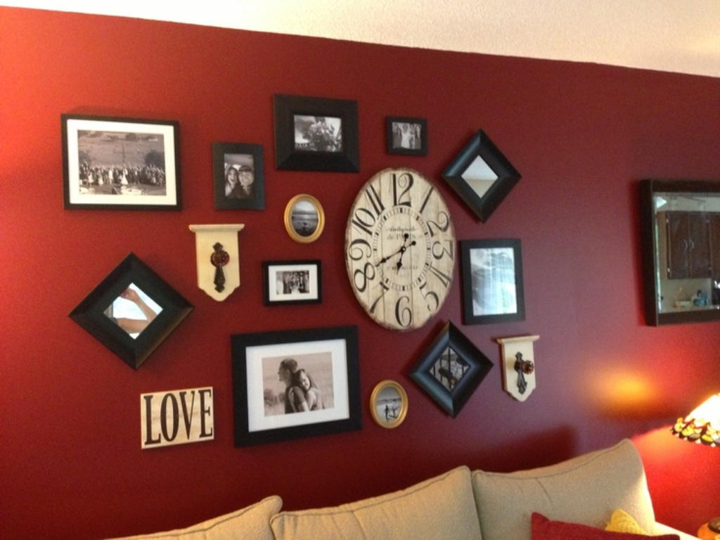 Image of: Red Wall Art Decor Bridal Shower Ideas