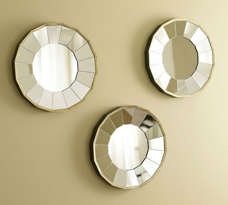 Image of: Round Mirror Wall Decor Indoor