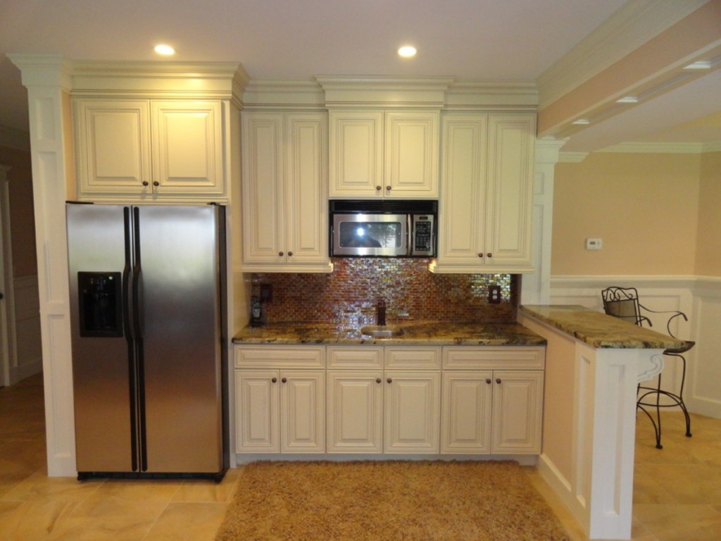 Image of: Small Basement Kitchen Ideas Color