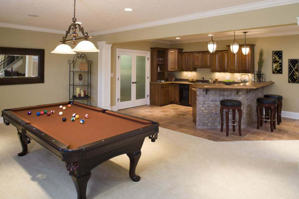 Picture of: Small Basement Kitchen Ideas Gallery