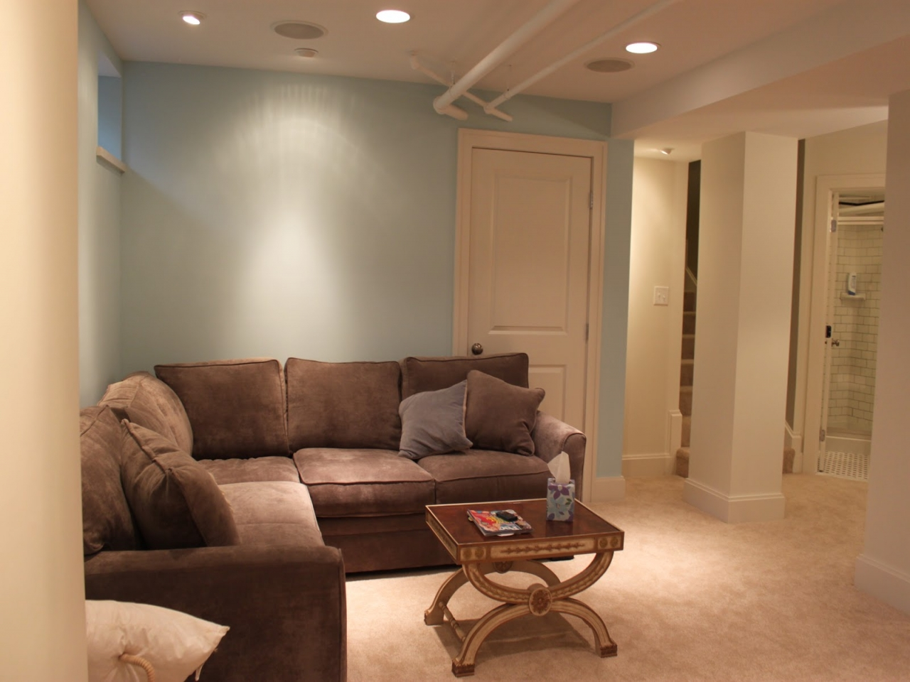 Image of: Small Basement Remodeling Pictures