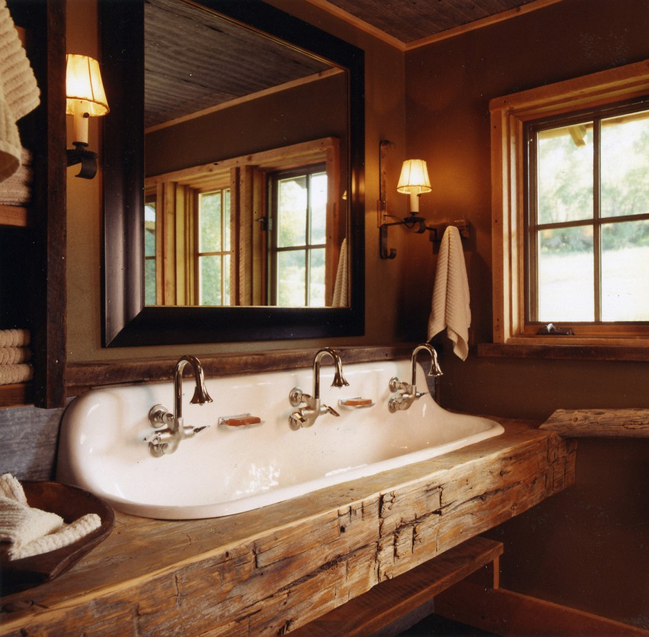 Image of: Wonderful Rustic Bathroom Wall Decor