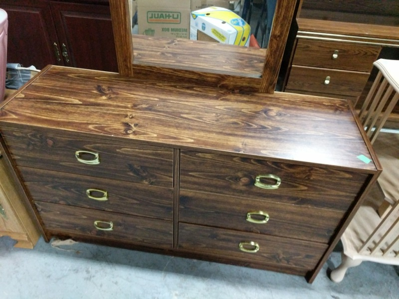 Image of: Chatham 6 Drawer Double Dresser With Mirror