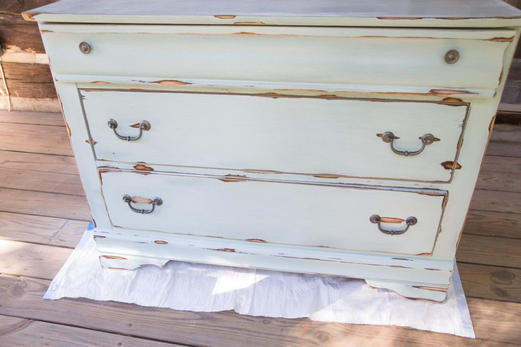 Image of: Distressed Wood Dresser With Chalk Paint