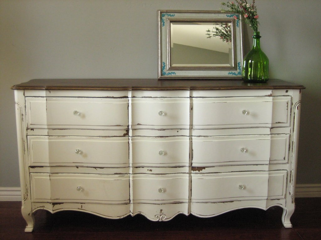 Image of: Distressed Wood Dressers And Chests
