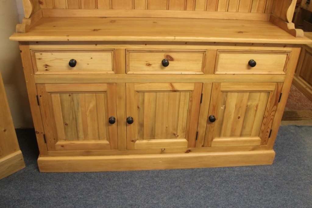 Image of: Dresser 3 Drawers With Door