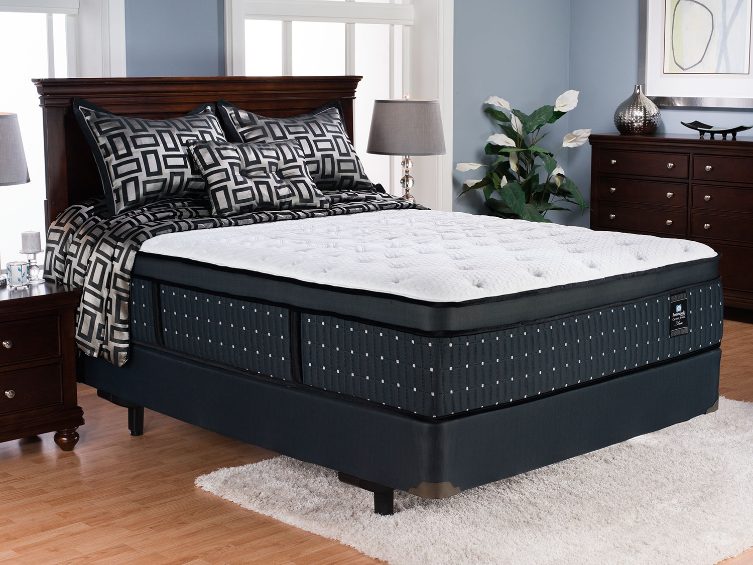 Amazing Queen Mattress And Boxspring Set