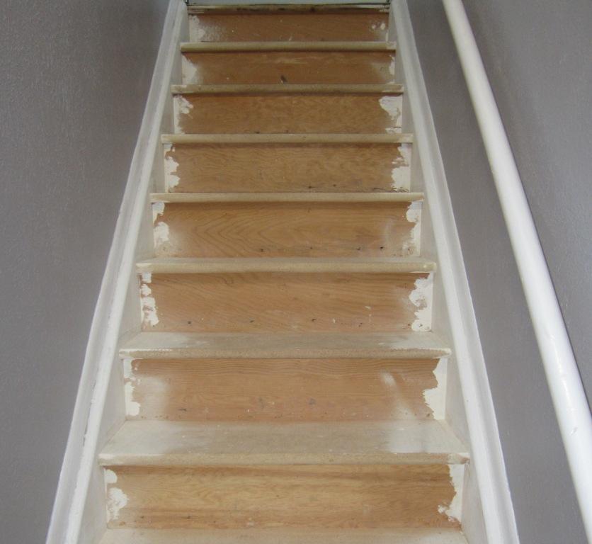 Image of: Best Paint for Wood Basement Stairs