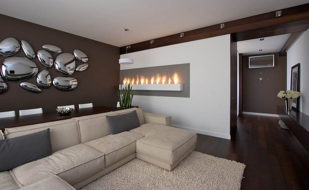 Picture of: Chrome Large Wall Decor Ideas For Living Room