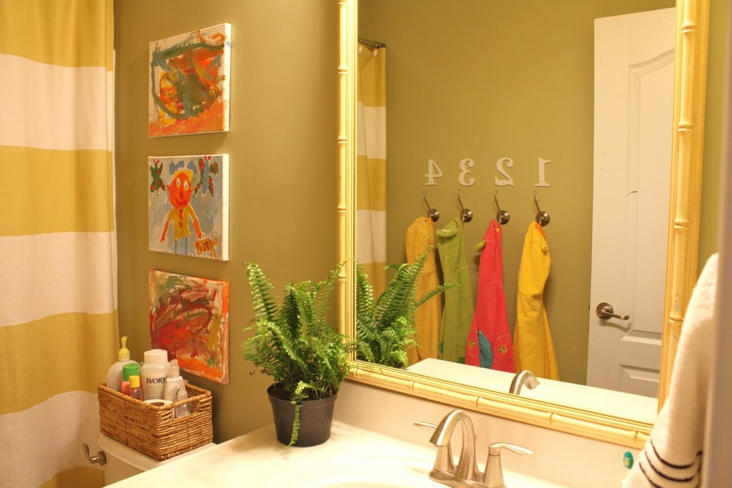 Picture of: Cute Kids Bathroom Wall Decor