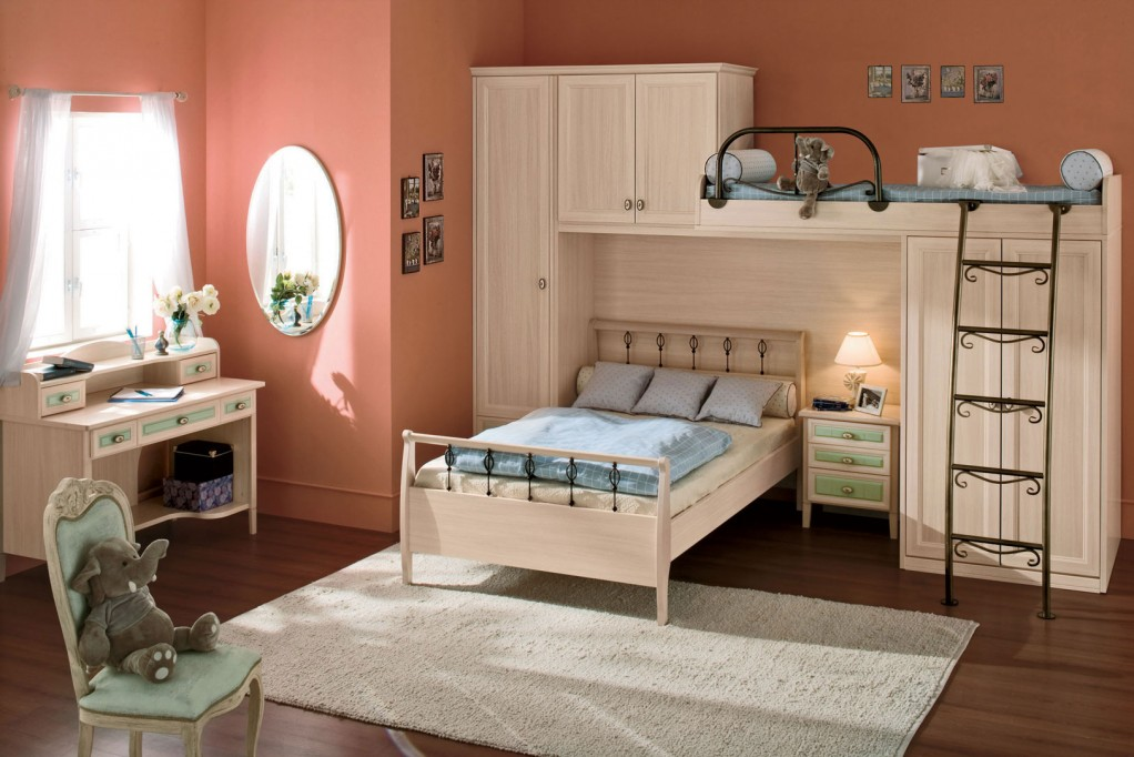Image of: Decorative Mirrors Bedroom Wall for Teenagers