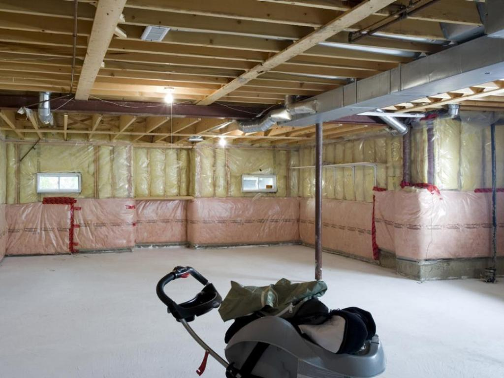 Picture of: Ideas for Remodeling Basement Contractors