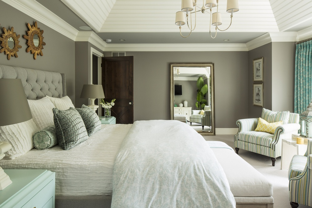 Image of: Large Decorative Mirrors Bedroom Wall