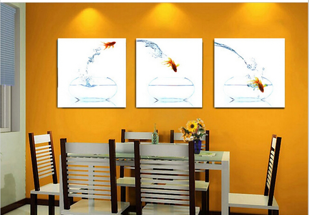 Picture of: Modern Kitchen Wall Décor for Small Space