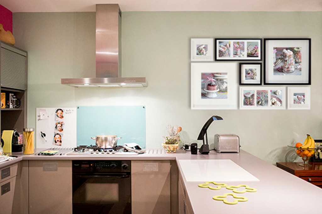 Picture of: Modern Kitchen Wall Décor Hanging